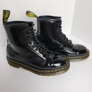 Dr. Martens patent leather Men 7, W 8, 8 eye boot